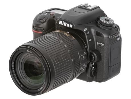Máquina Fotográfica NIKON D7500 18-140VR — 20.9MP / ISO 100 a 51200